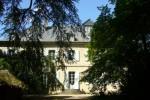 Nohant vu du jardin, avec les deux cèdres plantés par George Sand à la naissance de ses enfants